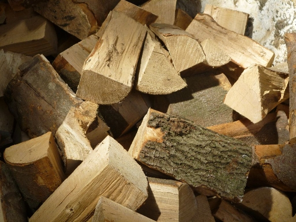 Kiln dried firewood for burning in the home