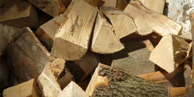 Tipper Trailer of logs